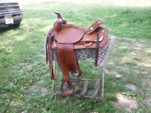 16 inch western saddle, light and comfortable