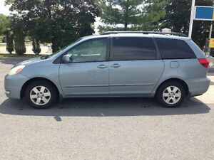 FAST SELL: TOYOTA SIENNA....8 SEATS...AWD...