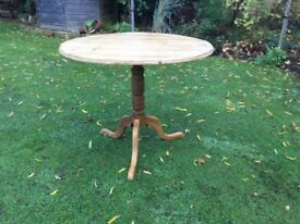 Lovely old Round top Pine Table ( tilt top )