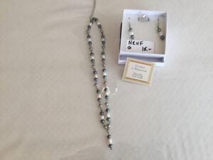 Ensemble Collier/boucles/bague en perles d'eau douce-NEUF