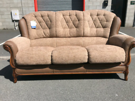 🤩Brand New Divani Italian Fabric and Leather 3 Seater Sofa 🤩