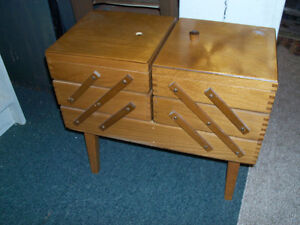 Vintage Sewing Stand, good condition, missing small knob on top,