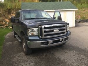 2005 Ford F-250 xlt Camionnette