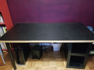 Large Desk/Table - in great condition