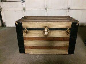 Blanket chest trunk