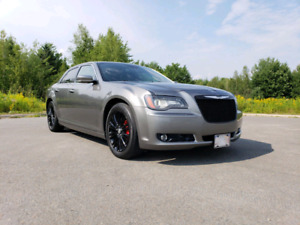 2012 Chrysler 300s Hemi AWD Fully Loaded