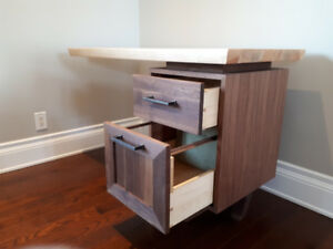 Quality Cantilever Desk