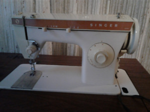 Vintage Singer 247 Electric Zigzag Sewing Machine/in cabinet