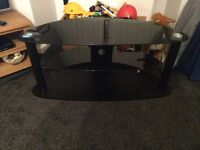 Tv stand and tabels