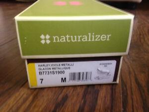 Ladies Naturalizer shoes