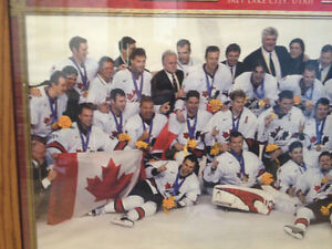 2002 TEAM CANADA GOLD MEDAL WINNING HOCKEY PICTURE Peterborough Peterborough Area image 2