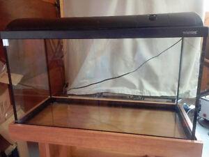 Aquarium de 120 litres (32 gal), meuble et accessoires (NÉGO)