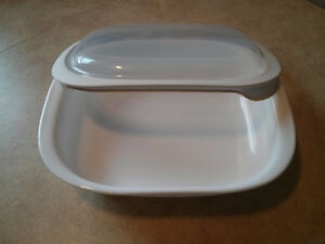 3Qt Corning Ware Bake-ware with Lid