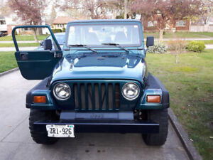 97 Jeep TJ Wrangler 6 cylinder w/ AW-4 Auto & 2 tops Rubicon