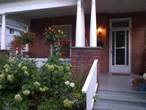 Room to Rent - Feb 1/17. Large room in Old West End Home.
