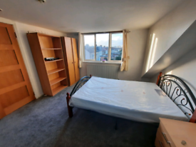 Lovely double room Newbury prk/Ilford