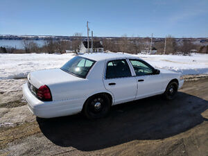2010 Ford Crown Victoria Police Interceptor Berline