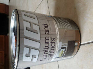 Cabinet paint. Brand new. 1 can. 3.5 L brown