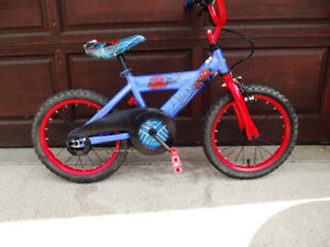 "Spiderman 16"" tires ideal for 4 to 6 year olds"
