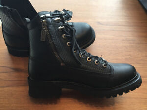 NEW LEATHER BOOTS!! Size 9.5