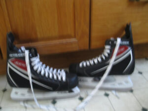 Men's or Teens CCM Hockey Skates sz. 8