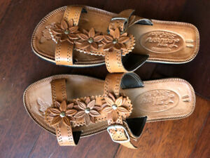 New Woman's size 8 to 9, hand made tan leather slide sandals