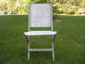 3-pc Wooden Table and Retro Chair Set London Ontario image 6