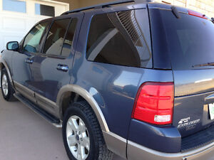 03 Ford Explorer EDDIE BAUER, 4X4, LEATHER, 7seat - FULLY LOADED Moose Jaw Regina Area image 3