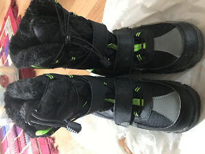 Winter boot excellent condition in north