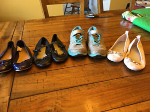 Girls size 11/12 shoes