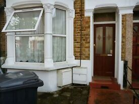 1 bedroom flat in Junction Road, London, N97