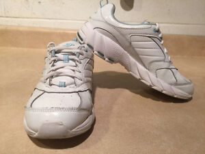 Women's Dr. Scholl's Shoes Size 7 London Ontario image 8