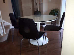 Round Ikea table and 4 chairs
