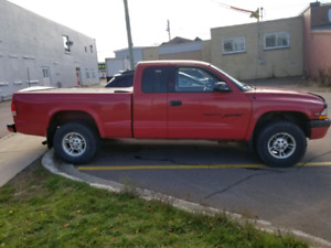 2000 Dodge Dakota Sport 4.7 Magnum V8 Coupe (2 door)