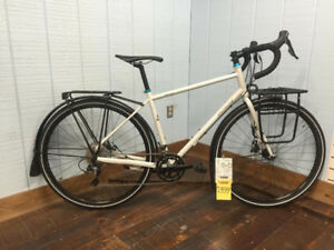 2016 Specialized AWOL Elite Med - ON SALE