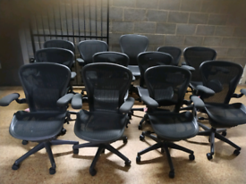 Herman miller Aeron Size B fully loaded (delivery)