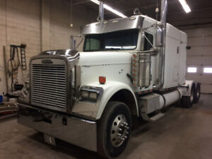 2007 freightliner classic midroof