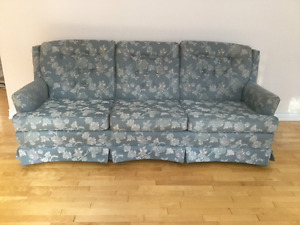 Large Couch Excellent Condition