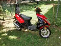 Scooter Chironex Rouge 2008  50cc 10408klm 950$