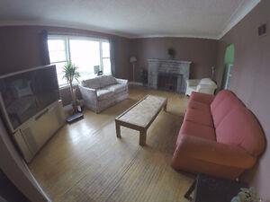 5 -6 Bedrooms in huge House on Glenridge. INCLUSIVE SEPT 1!