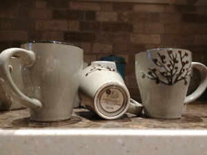 Set of 8 mugs