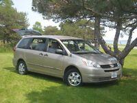 2005 Toyota Sienna CE Minivan, Van Automatic 3,3 l. 6 cyl.
