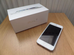 Unlocked iPhone 5 (White - 16GB)