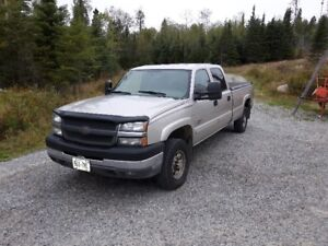 2004 Chevrolet 2500HD Diesel LT Longbox Pickup Truck