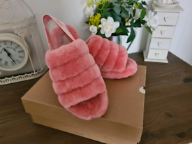 UGG slider slippers - size 8