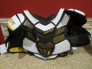 BAUER HOCKEY SHOULDER PADS YOUTH