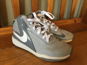 Nike Basketball Shoes - Boys Size 5 Youth