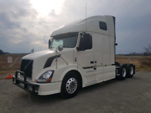 2011 Volvo 670 Excellent truck! No DEF