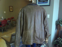 SAFARI COLLECTIONS CANADA LEATHER JACKET
