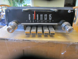 1965 ford am radio-working-ce-5tpf-281197